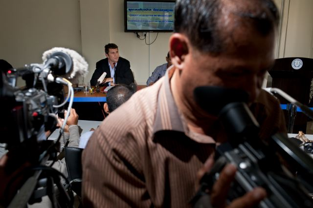 CAMBODIA. Kambol (Phnom Penh). 10/06/2009:  Richard ROGERS, Head of the Defence team, at a press conference on the 26th day of Duch trial at the ECCC.